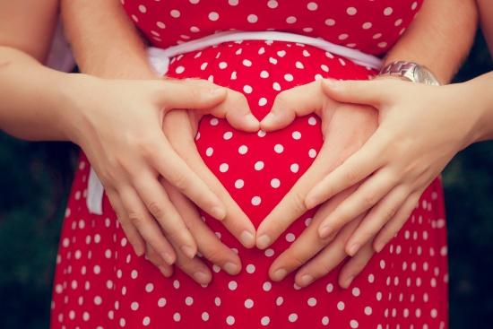 母体や胎児への影響はほどんどありません
